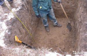 Копка ямы в Волгограде